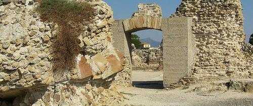 Древний город Сардинии Нора